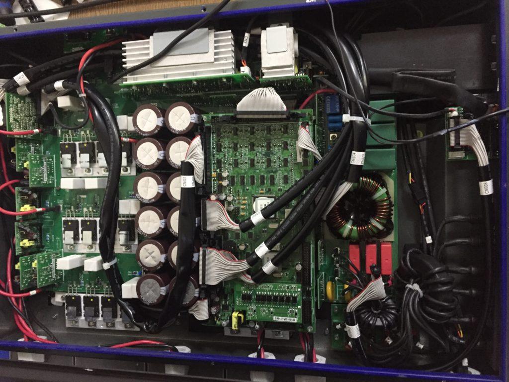 Měnič AEG PV10